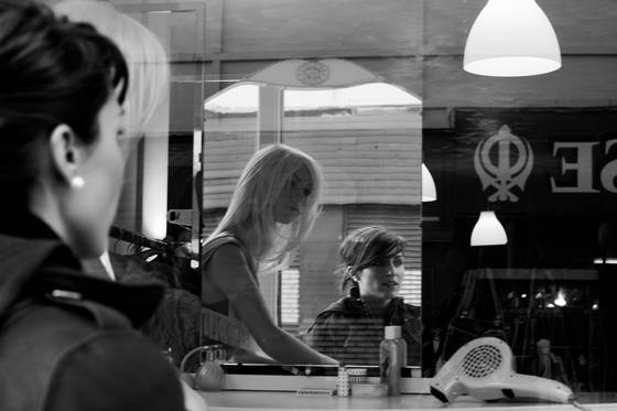 Maggie_in_the_mirror