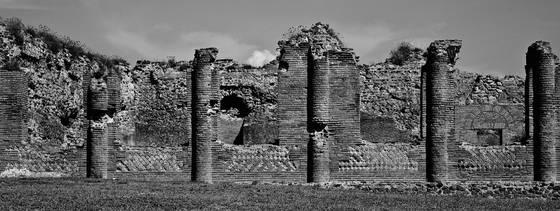 Pompeii_columns