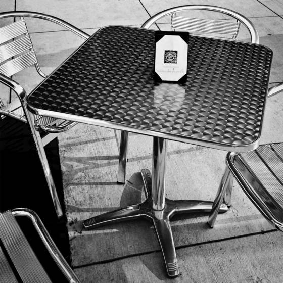 Bistro_table