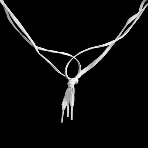 Shoelace_necklace