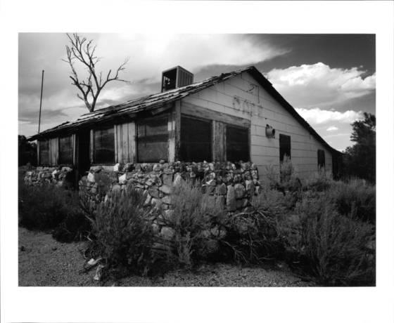 Abandoned_cafe