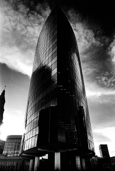 Phoenix_insurance_building__2
