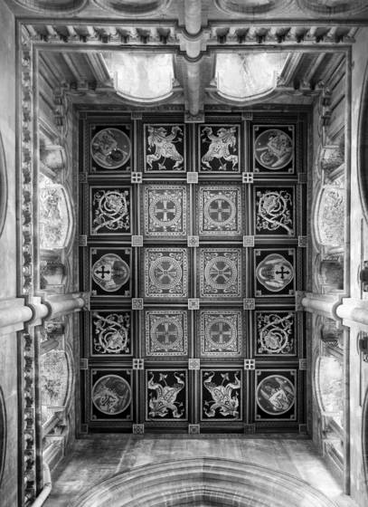 The_ceiling_south_transept