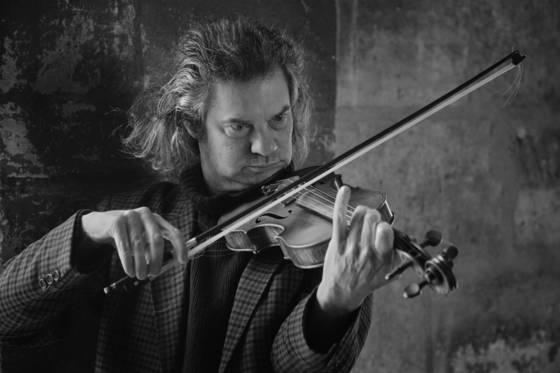 Street_fiddler