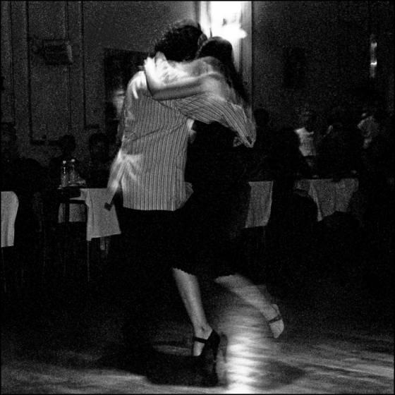 Tango_dancers_2