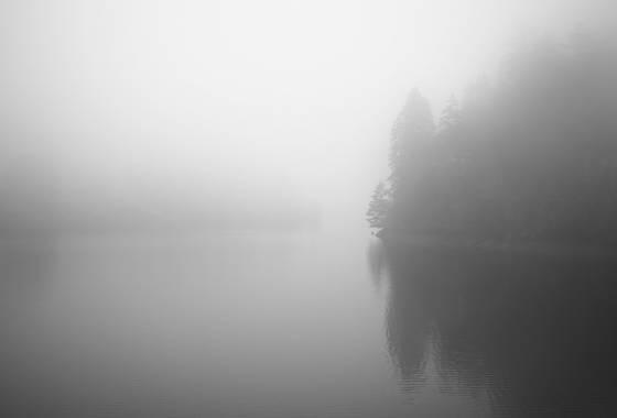 December_lake_fog