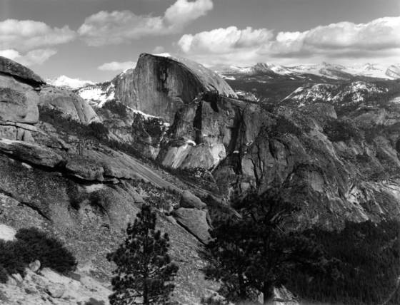 Half_dome_from_yosemite_point