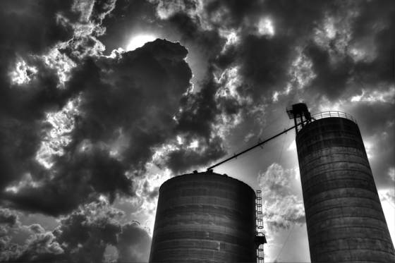Clouds_and_silos