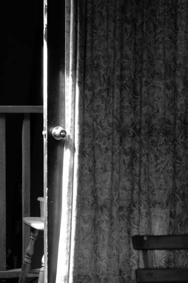Door_and_curtain