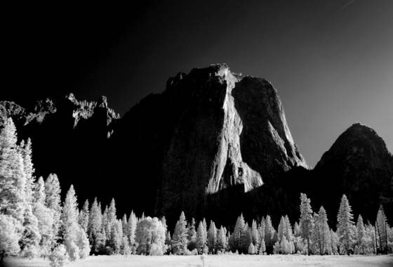 Cathedral_rocks_from_el_capitan_meadow