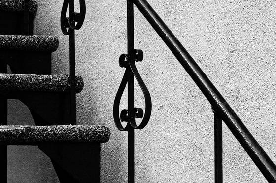 Steps_and_handrail