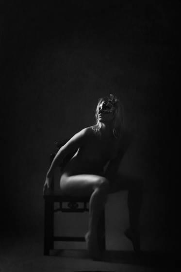 Masked_nude