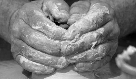 Potter_s_hands