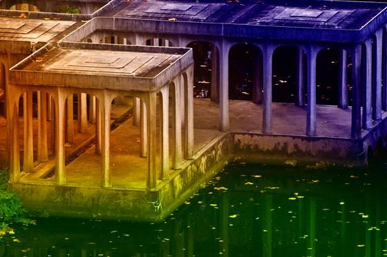 Glass_house_lake_pavillion_b7