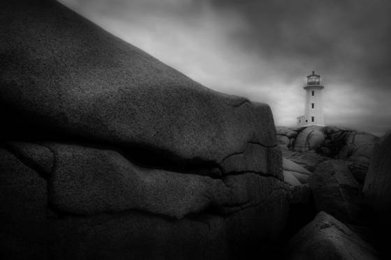 Peggy_s_cove_light_ii