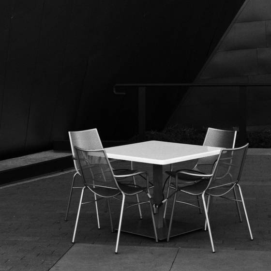 Empty_table