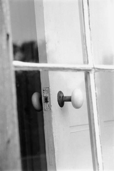Door_ajar