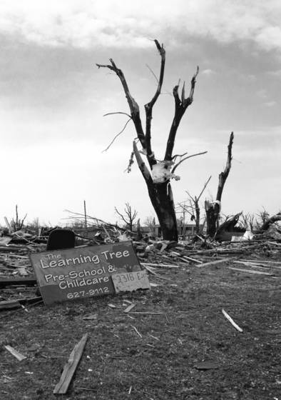 Tornado_damage_2
