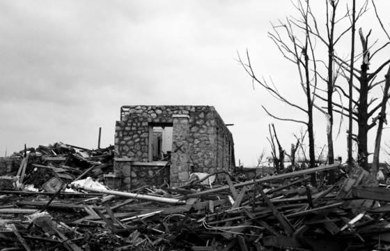 Tornado_damage_3