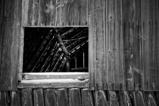 Barn_window