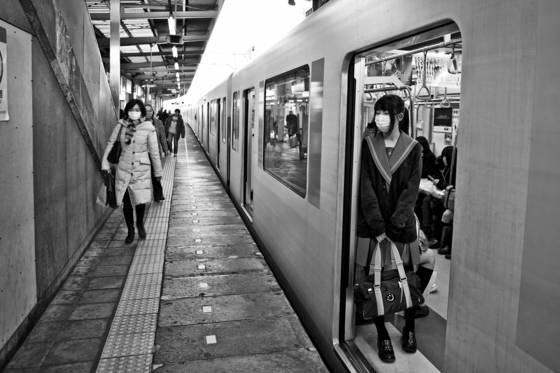 School_girl_on_the_train