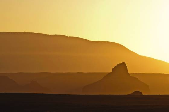 Sunrise_at_lake_powell