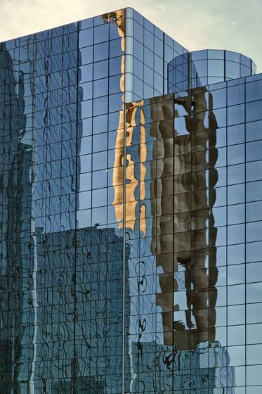 Dallas_skyline_reflection_ii