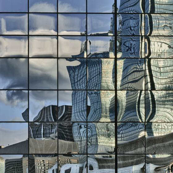 Dallas_skyline_reflection_xxiii