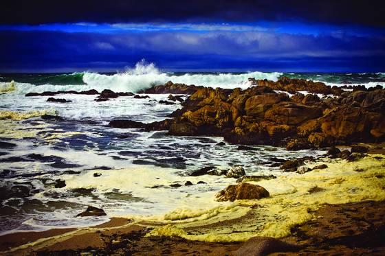 Stormy_seas_3