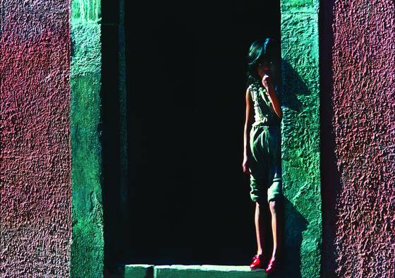 Girl_in_doorway
