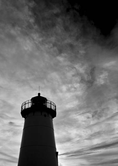 Lighthouse_at_dusk