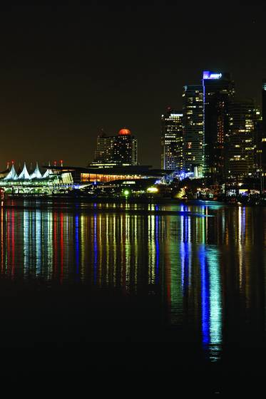 Coal_harbour_night_-_1