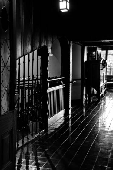 Peaceful_hallway
