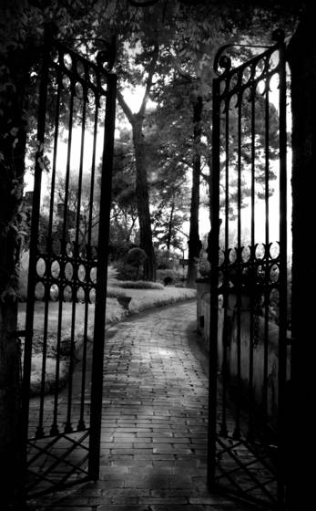 Gates_of_promise