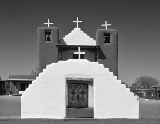 Taos_pueblo_church