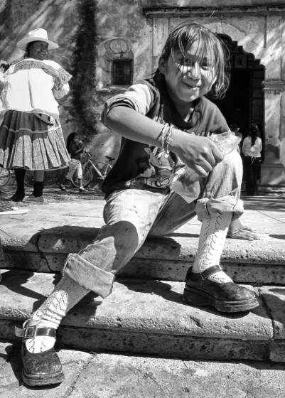 Girl_on_steps
