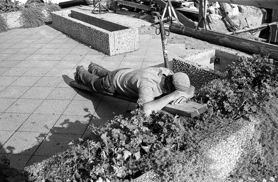 Sleeping_worker