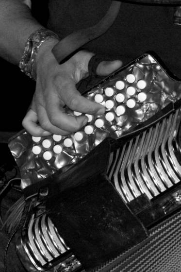 Squeezebox_hand