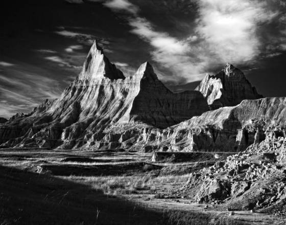 Badlands_at_dusk