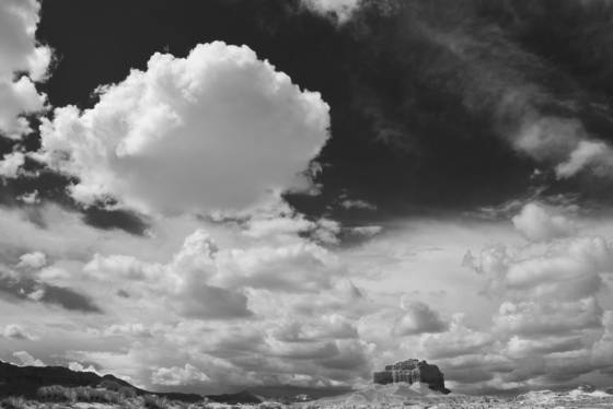 Goblin_valley_butte___clouds