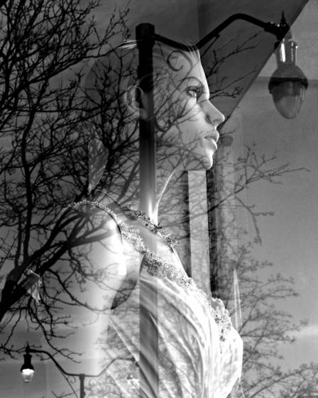 Streetlight_lady
