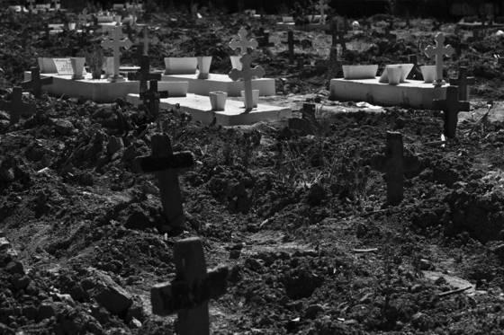 Graveyard_07