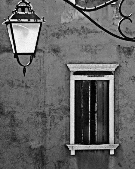 Street_lamp_and_window