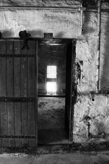 Eastern_state_penitentiary_cell