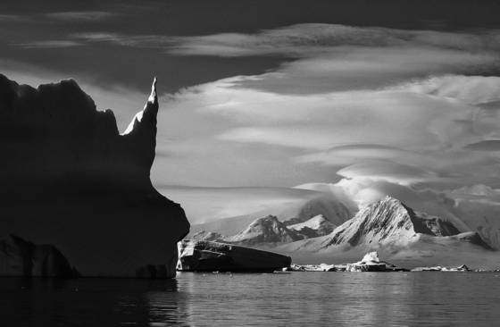 Antarctic_shore
