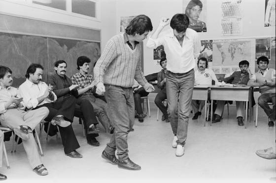 Students_dancing_in_class