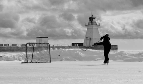 Hockey on lake erie