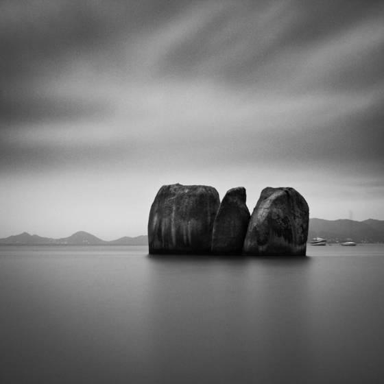 Pedras_tr_s_irm_s