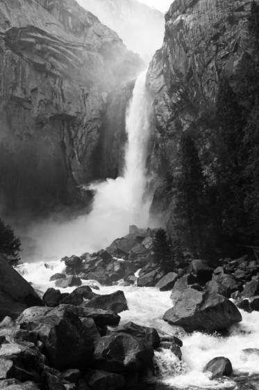 Lower_yosemite_falls