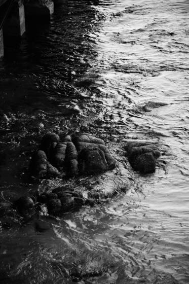 Rocks_n_water